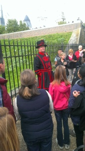 Katie with a BeefEater - Warden of the Tower